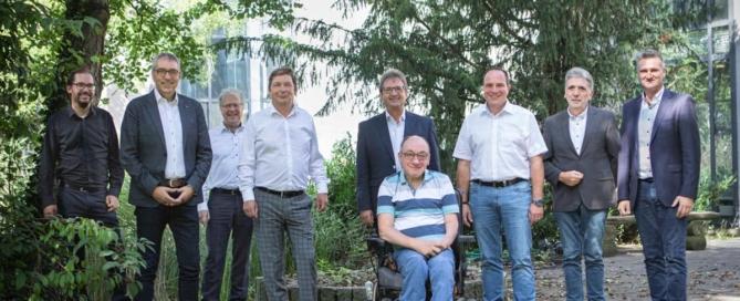 Frank Drewes (1.v.l.) und Prof. Dr.-Ing. Bernhard Hoffschmidt (3.v.l.), die beiden Geschäftsführer des BPJ, und die Mitglieder des Gremiums für die Vergabe der Gewerbeflächen im Brainergy Park: Jürgen Frantzen (BM Titz), Axel Fuchs (BM Jülich), Robert Holzportz, Dr. Helmut Schumacher, Johannes Komp, Matthias Hoven und Frank Rombey (BM Niederzier) (v.l.n.r.) © Brainergy Park Jülich