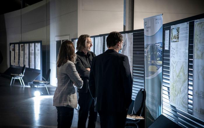 Jurorinnen und Juroren des Preisgerichts beim Architektenwettbewerb für den Bau des Brainergy Hub